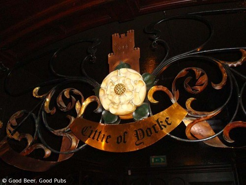 The Cittie of Yorke, Holborn - decorative metalwork