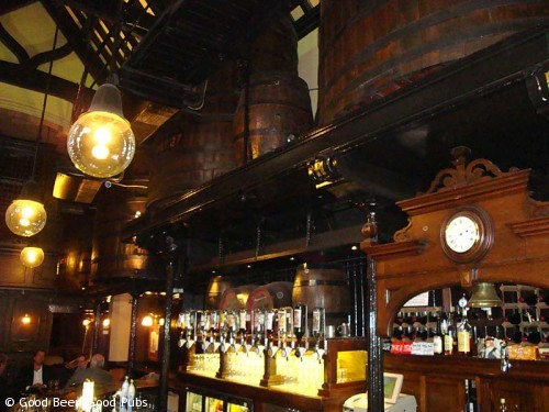 The Cittie of Yorke, Holborn - barrels over the bar
