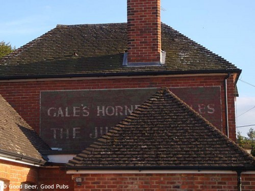 Hampshire Bowman, Dundridge - note the old Gales painted sign on the side of the pub