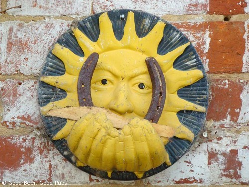 Hampshire Bowman, Dundridge - the sun watches over the garden