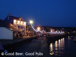 Aberaeron quayside at night