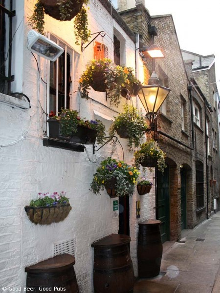 Picture of the Harp in Covent Garden - the rear entrance in Brydges Place