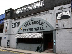 Hole in the Wall, Waterloo
