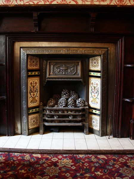 Tiled fireplace at The Iron Duke, Mayfair