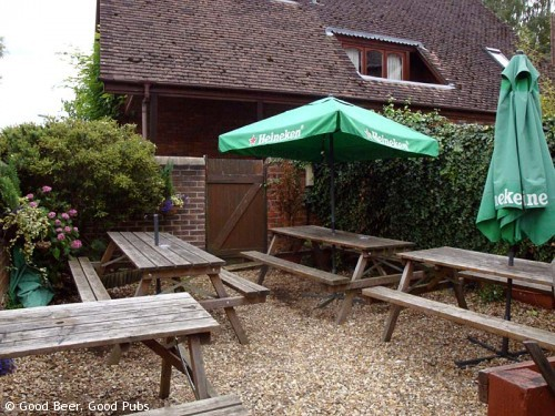 St James Tavern, Winchester - The tiny garden
