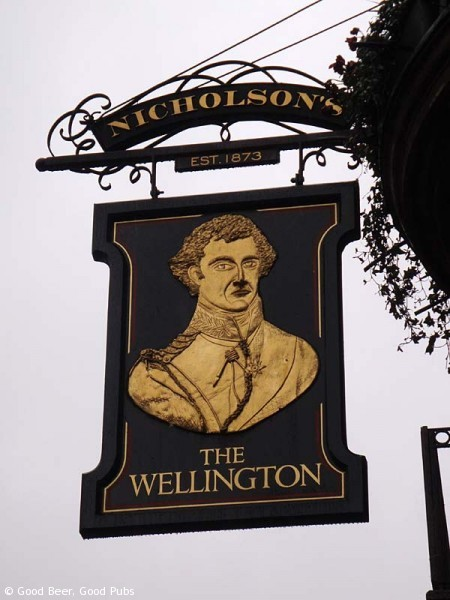 Picture of the pub sign of the Wellington, Covent Garden, London